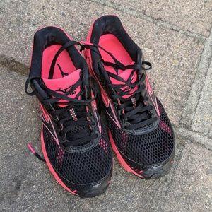 { Mizuno } Wave Sayonara 3 Running Shoes